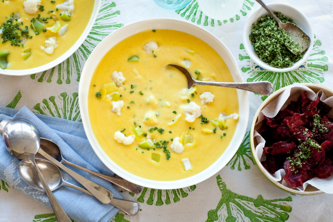 Creamy saffron-cauliflower soup :: Fast Ed